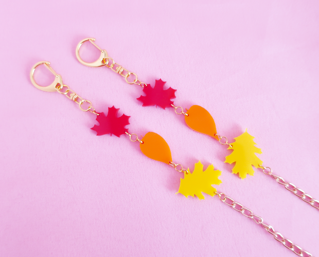 Autumn leaves face mask chain