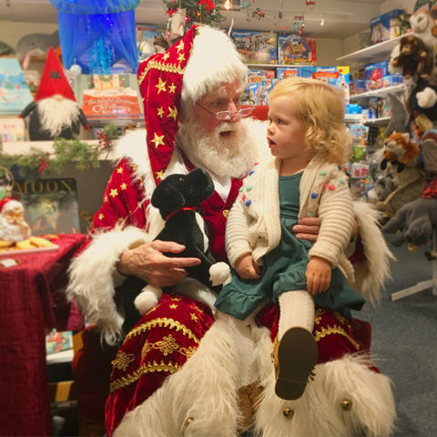 Father Christmas Visits the Whale's Tale!