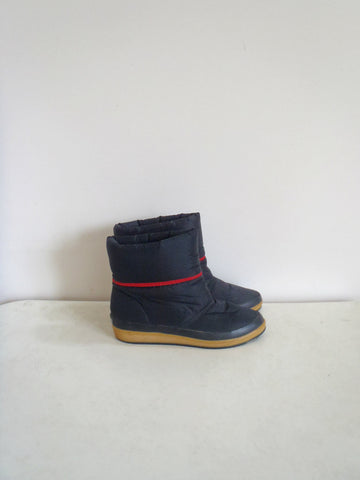 Sporto retro black canvas winter boots