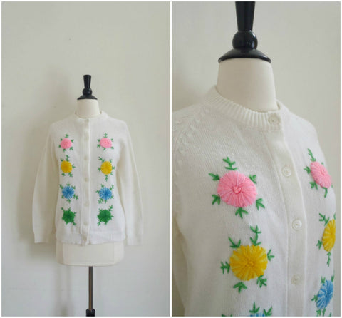 Colorful crewel embroidered flowers white cardigan
