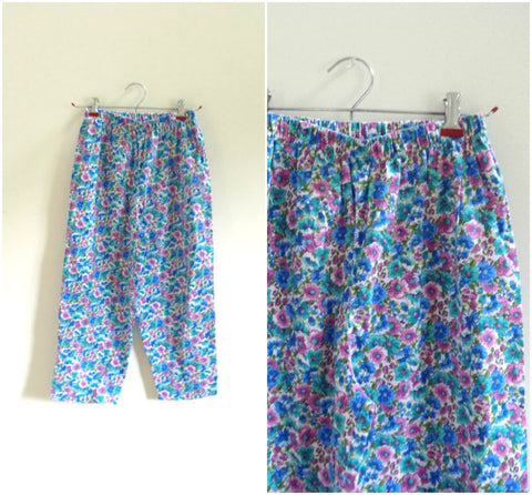 Blue floral highwaisted capri pants