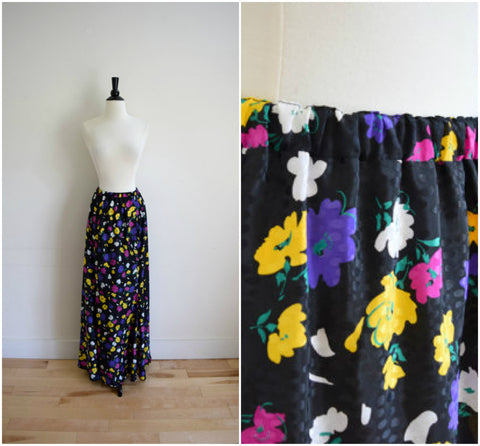 Vintage retro black and bright floral pattern maxi skirt / long silky skirt with a flared bottom / elastic waist