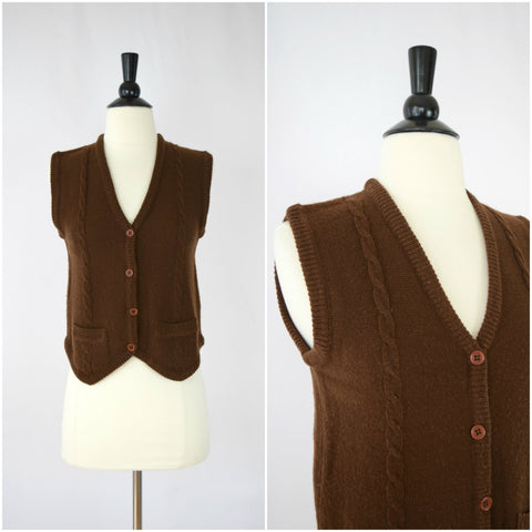 Brown sweater vest with pockets