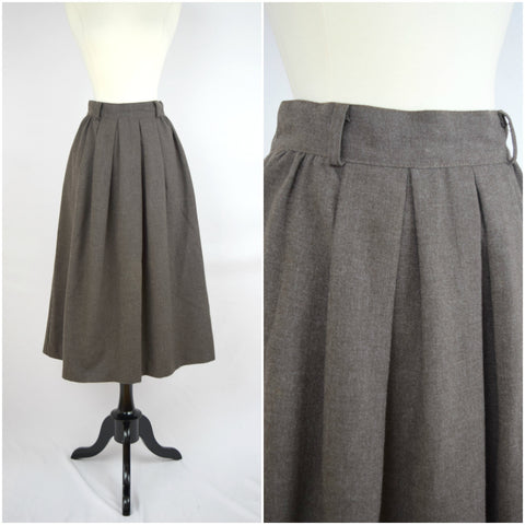 Christy Girl brown wool pleated skirt