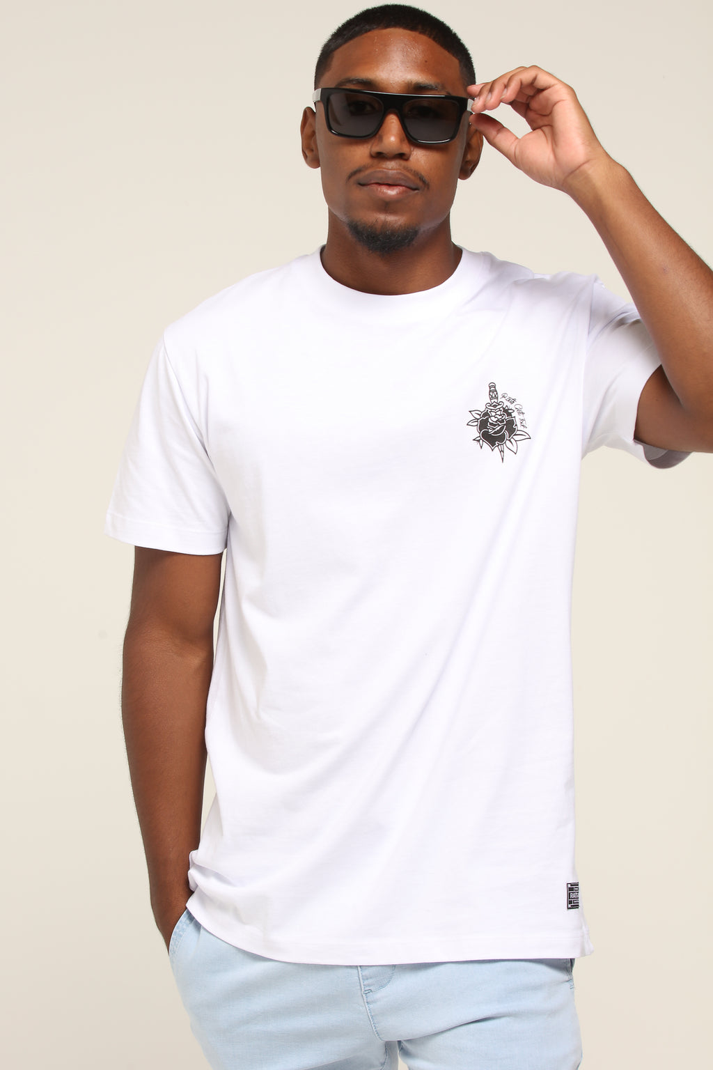 ROSE & DAGGER TEE - White