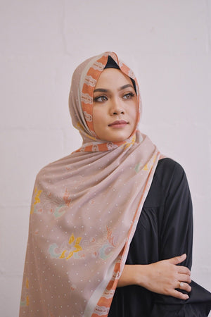 Che Siti Taupe - Exclusive Shawl