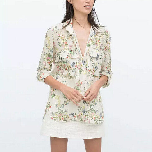Floral blouse with pockets