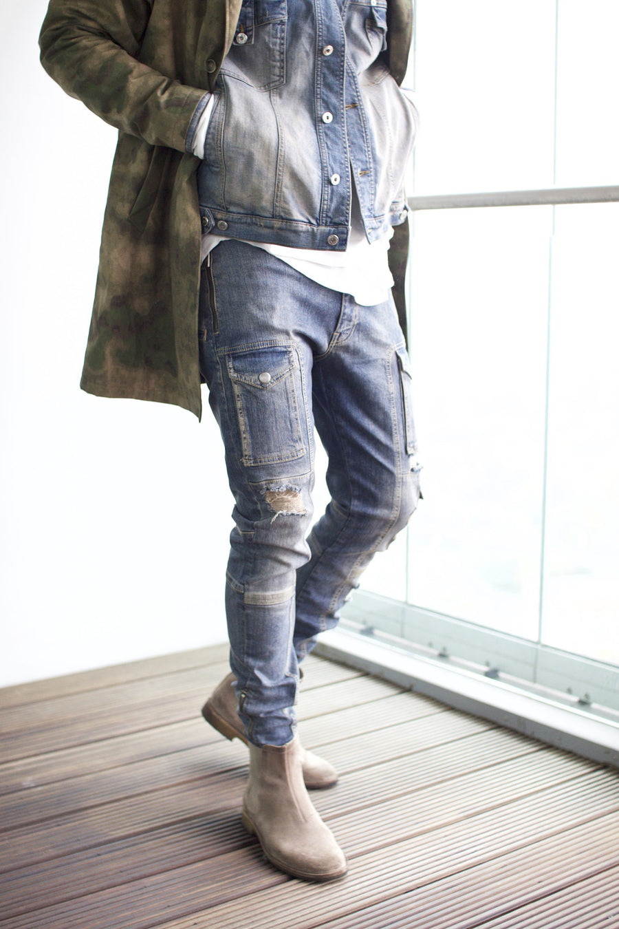 Kago Jeans Sand Distressed