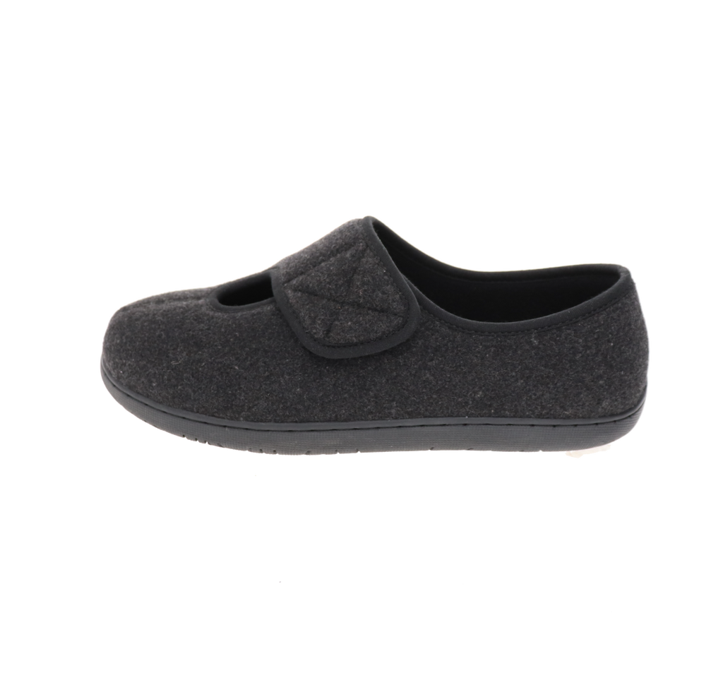 Kendale L2 Black Slipper