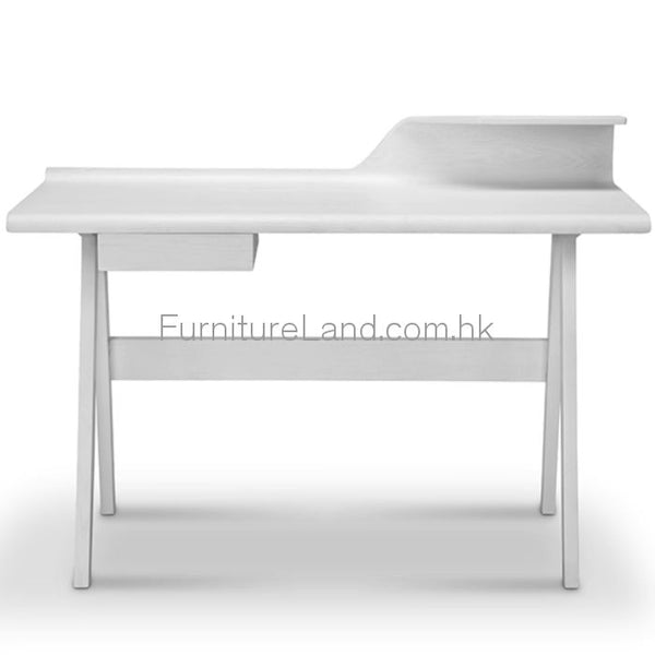 Desk: Ds10 Desks