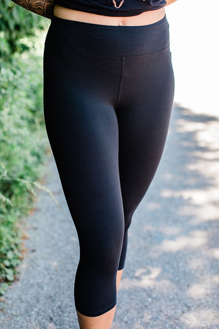 Yoga Waistband Black Capri Leggings