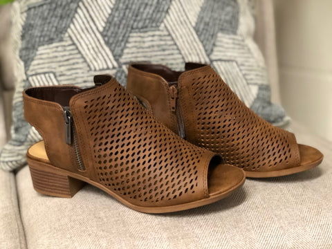 Sawyer Sandals - Brown