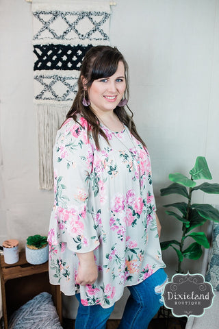 {Plus} Cream Floral Blouse