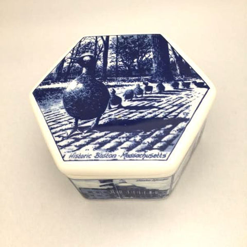 Ducklings hexagonal box