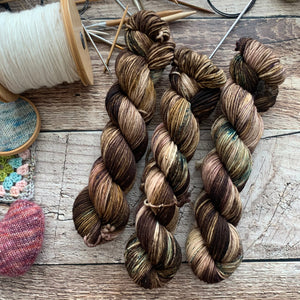 Pine Cone on Everyday Worsted Yarn