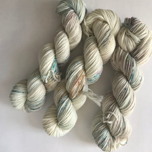 Sugar Cookie on Everyday Worsted Yarn