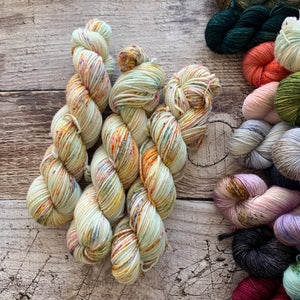 Fireworks on Everyday Worsted Yarn