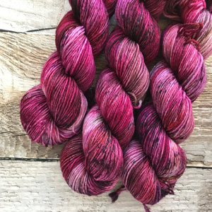 Divine Feminine on Everyday DK Yarn