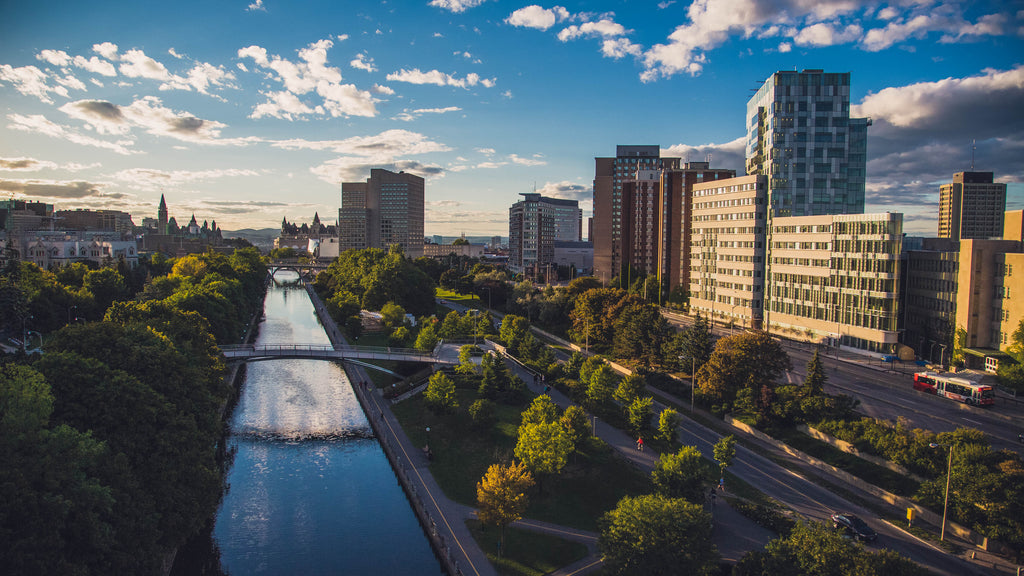Picture of the Rideau Canal and the City of Ottawa