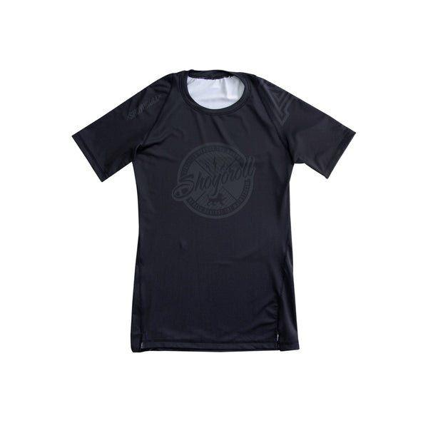 SYR X AP Short Sleeve Rashguard - BLACK