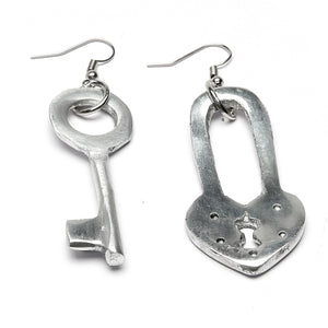 Clef Cadenas- Lock and key light weight earrings