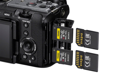 Dual card slot compatibility, SD/CFExpress Type A