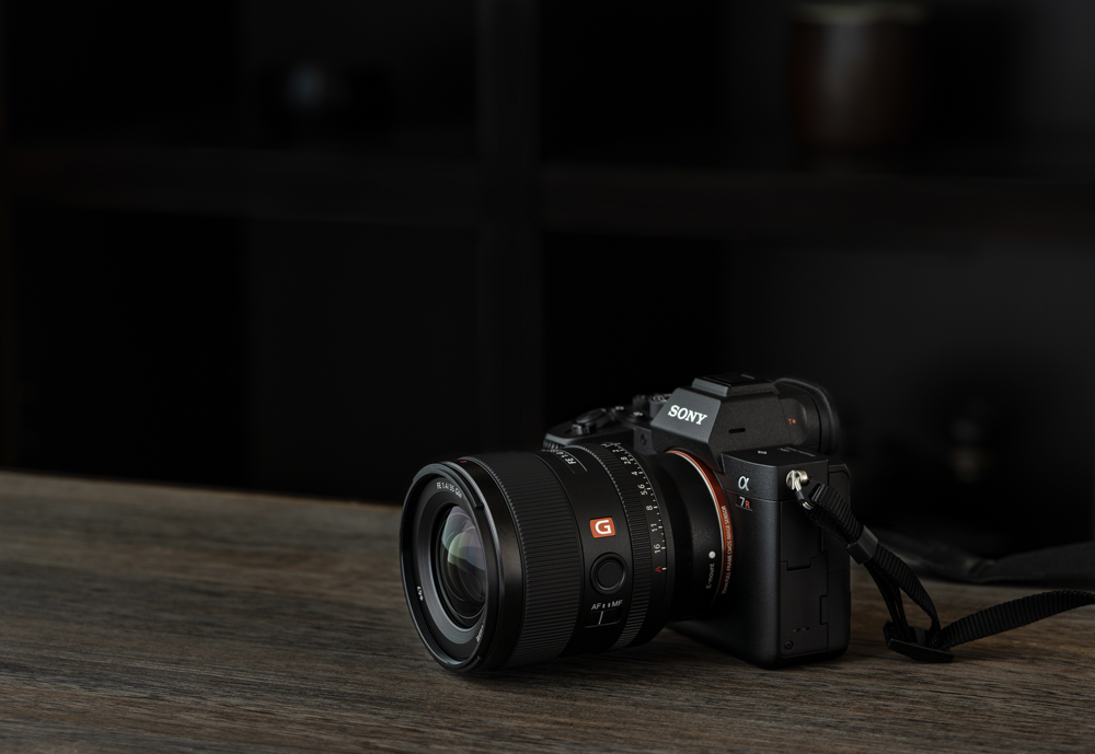 Sony FE 35mm F1.4 GM on a table