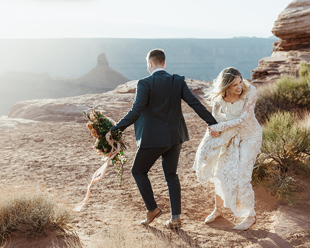 Chelsea Fabrizio photography image of bride and groom in Utah laughing
