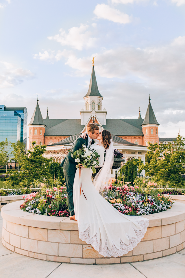 julia mathers photo of couple kissing in front of provo lds temple