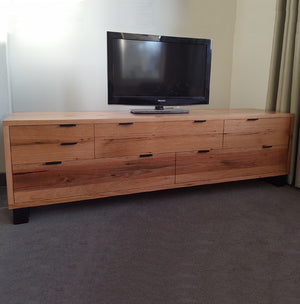 Cameron TV unit