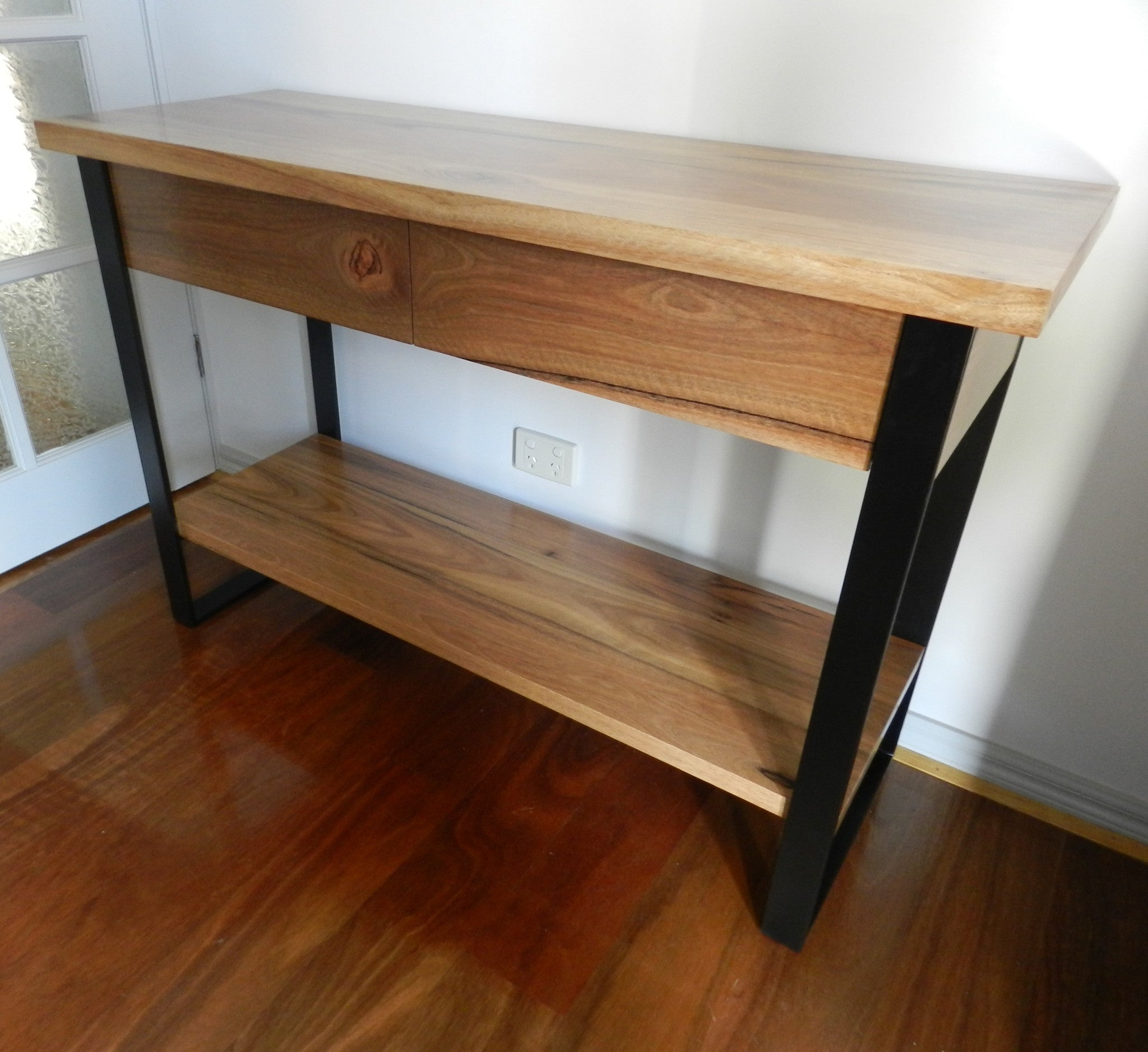 #HouseRules Cameron Hall Table