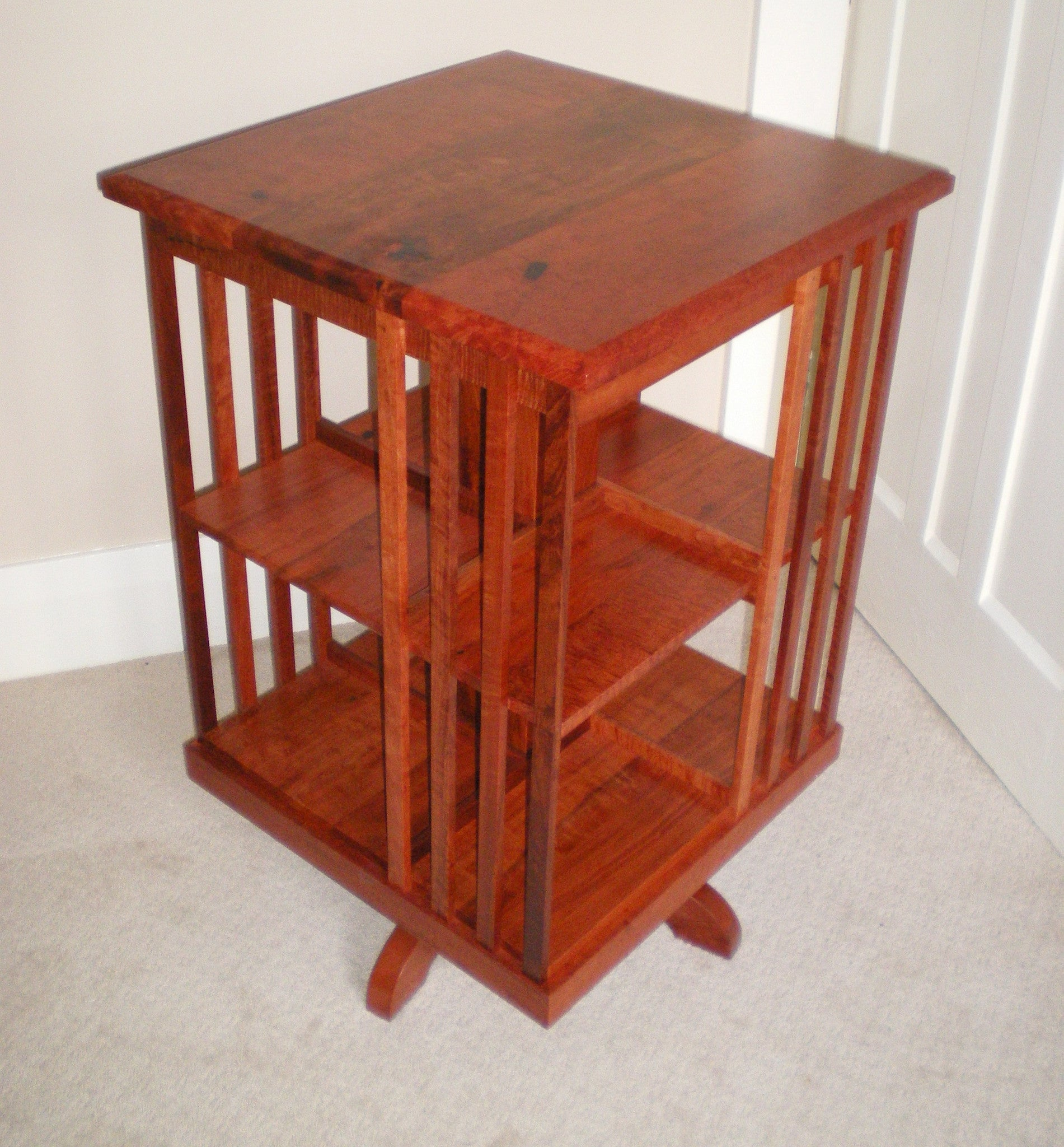 Traditional Revolving Bookcase