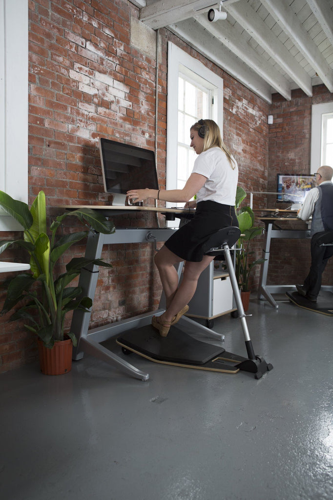 Focal Locus Standing Desk and seat by Safco from Fitneff United States
