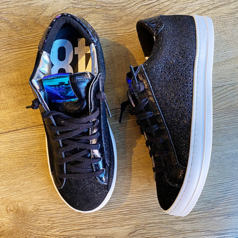 black/pat sneakers