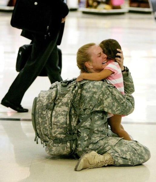 Soldier mother reunited with her daughter at airport