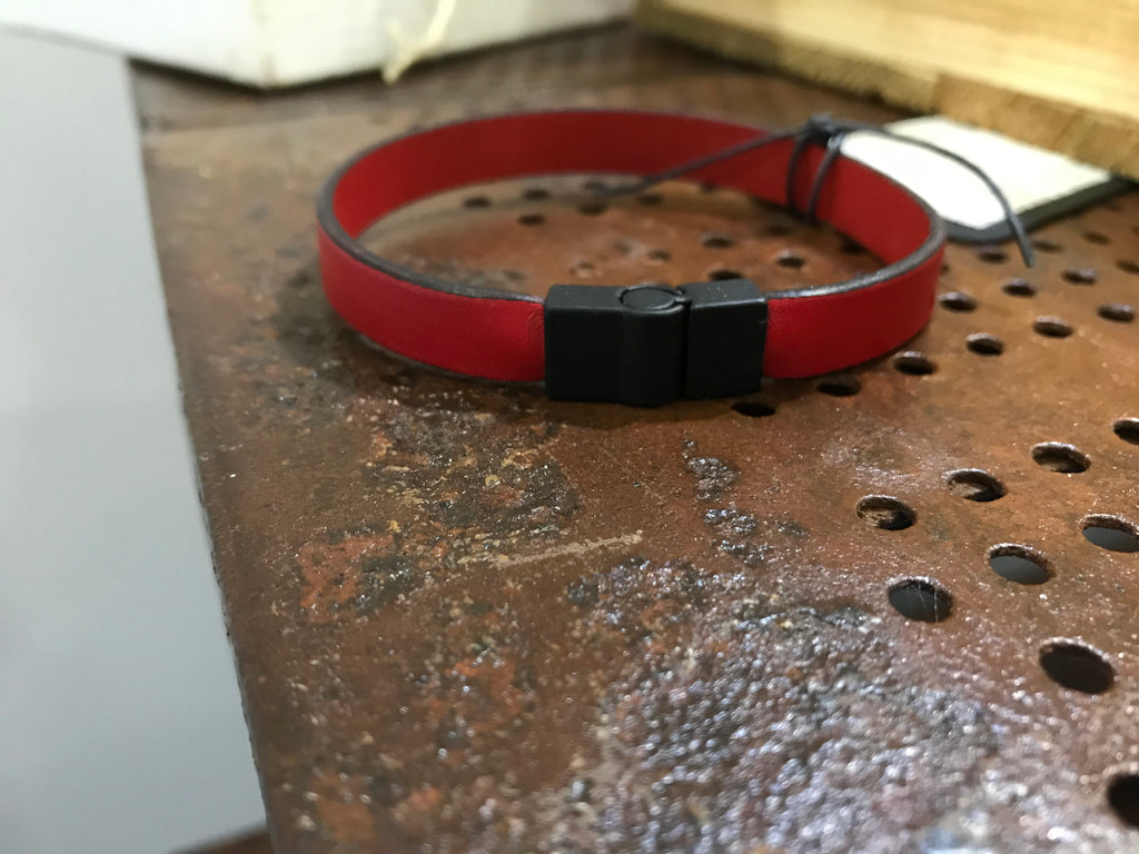 Mens leather bracelet (SW2 red)