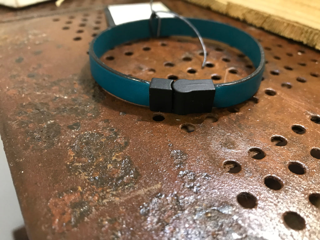 Mens leather bracelet (SW2 teal)