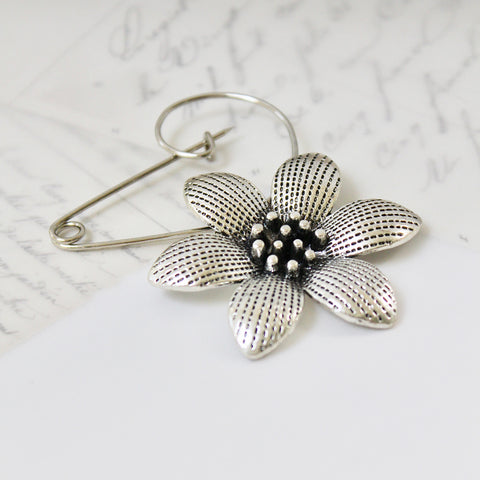 Flower Brooch (158)
