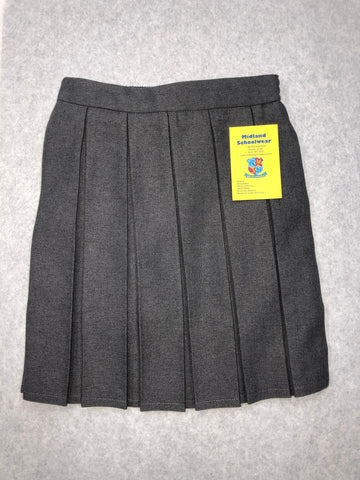 Box pleated skirt with shorts inside