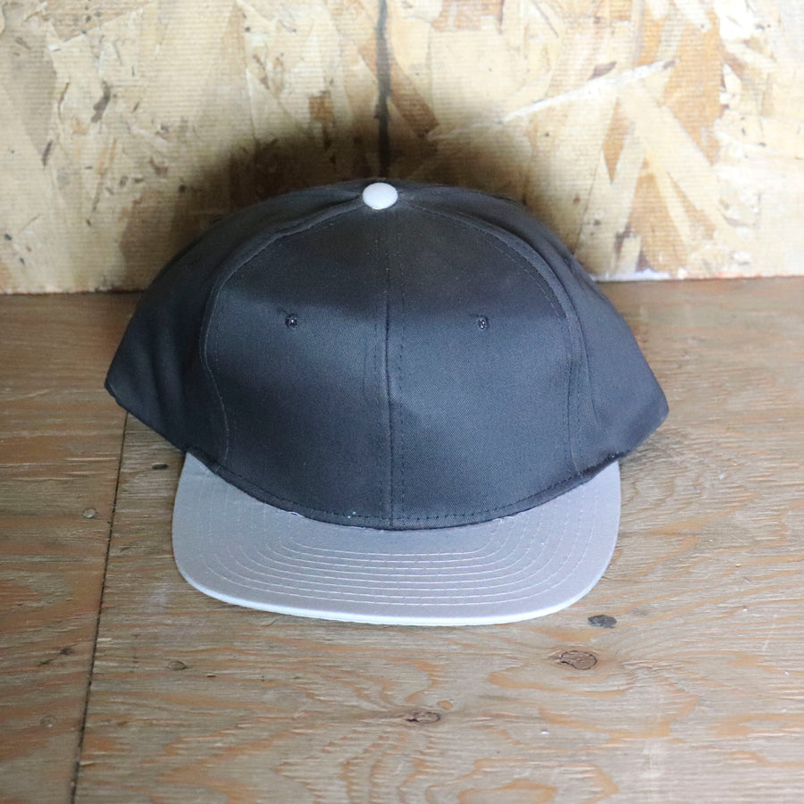 Deadstock Vintage Black Grey Snapback Hat