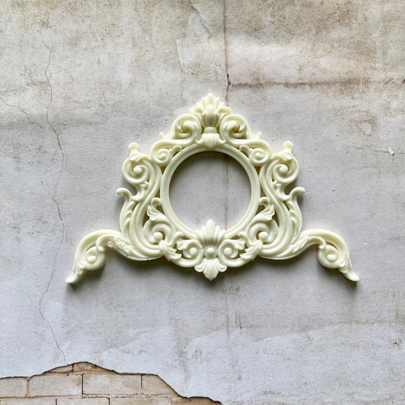 Ornate Filigree Resin Frame (Ivory)