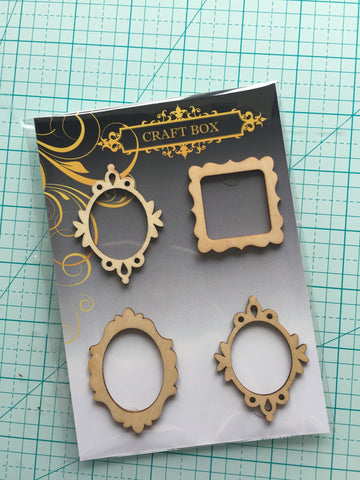 May Replay: Set of 4 small wooden frames