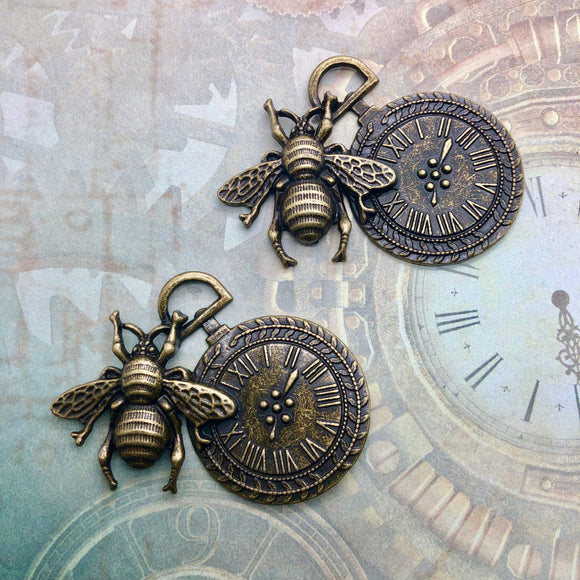 Steampunk City - Bee and Clock