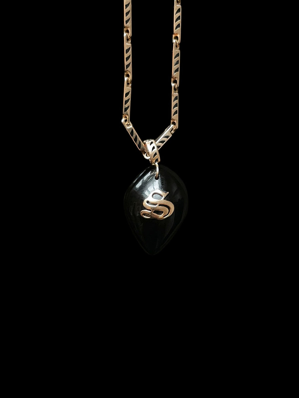 Classic Onyx Cowry with Gold Initial