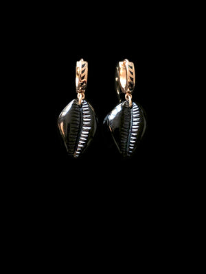 Petite Onyx Cowry Earrings