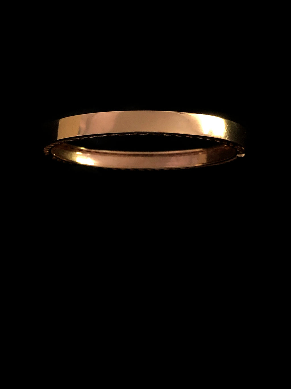 Classic Shark Fin Jali Bangle