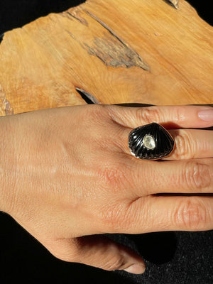 Onyx Shell Ring with Polki Diamond