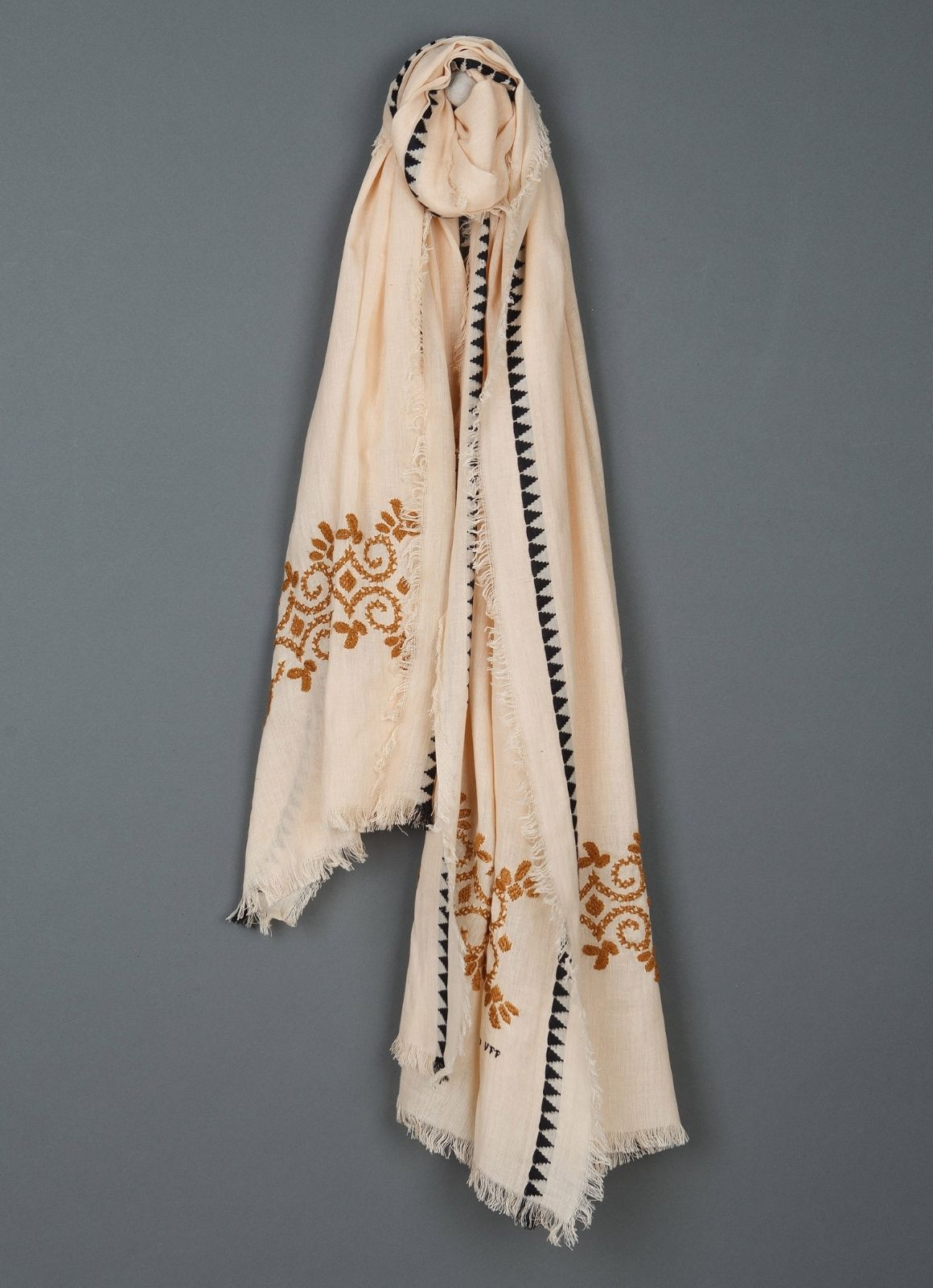 indi & cold - Embroidered Fringed Scarf