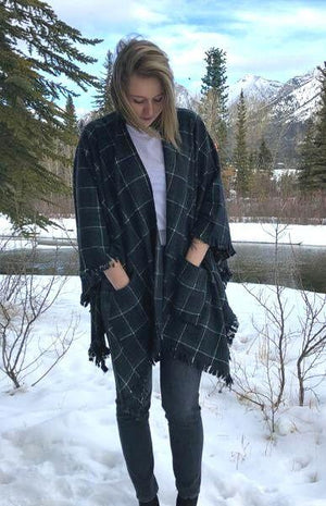Women's Plaid Wrap Shawl with Pockets