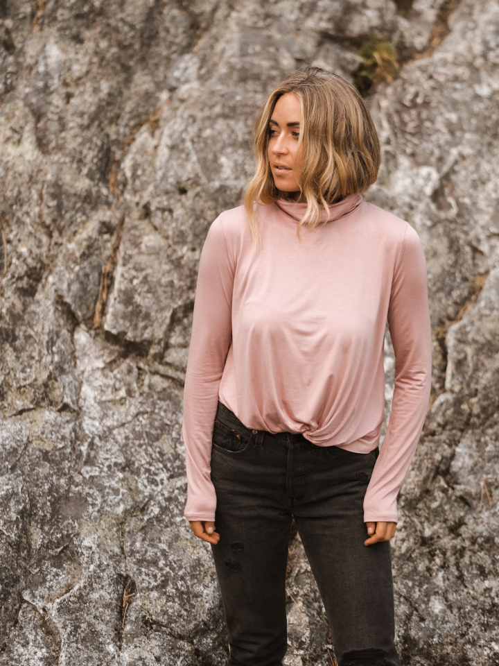 Jackson Rowe Centered Knotty Long Sleeve Turtle Neck Rose Ash Pink